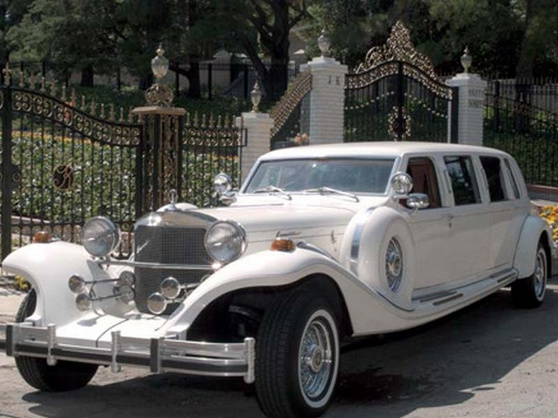 Photo of Lincoln Town Car limuzin