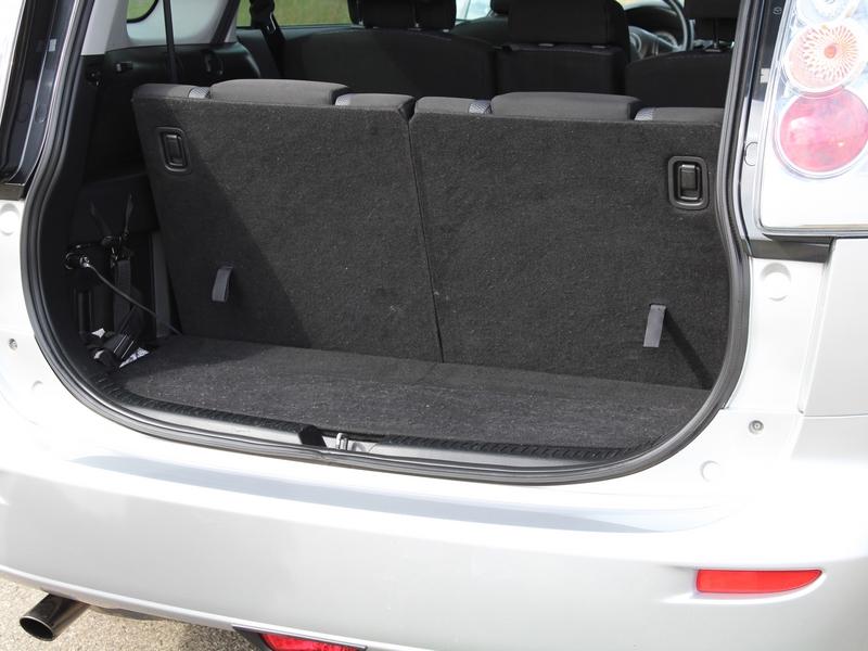 Mazda 5 csomagtér