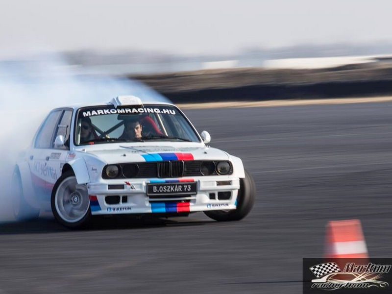 Photo of BMW E30 V8 drift