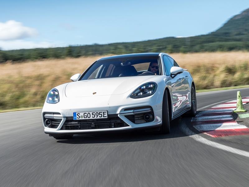 Photo of Porsche Panamera Turbo S E-Hybrid