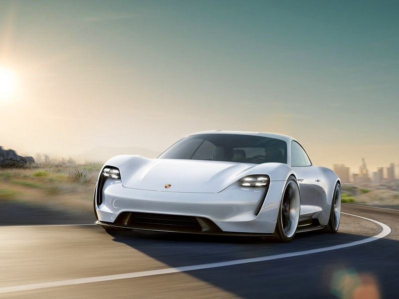 Photo of Porsche Mission E – elektromos tanulmány