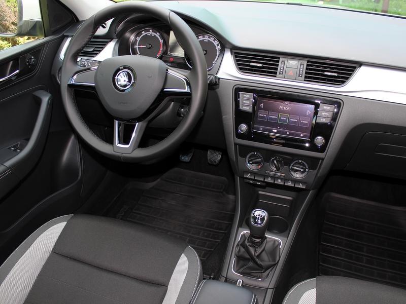 Škoda Rapid belső