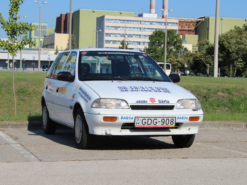 Photo of Suzuki Swift 1.0 GA (AT) teszt – a telep ura
