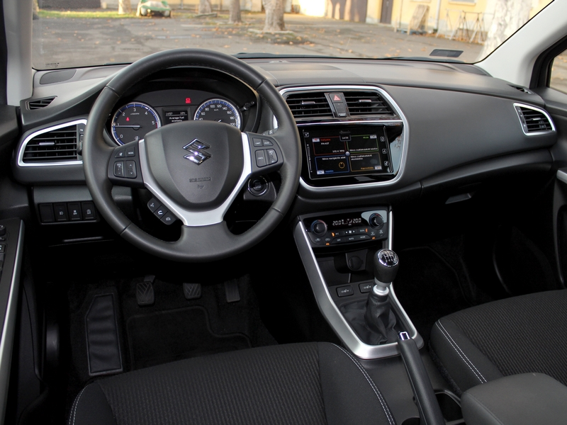 SX4 S-Cross belső