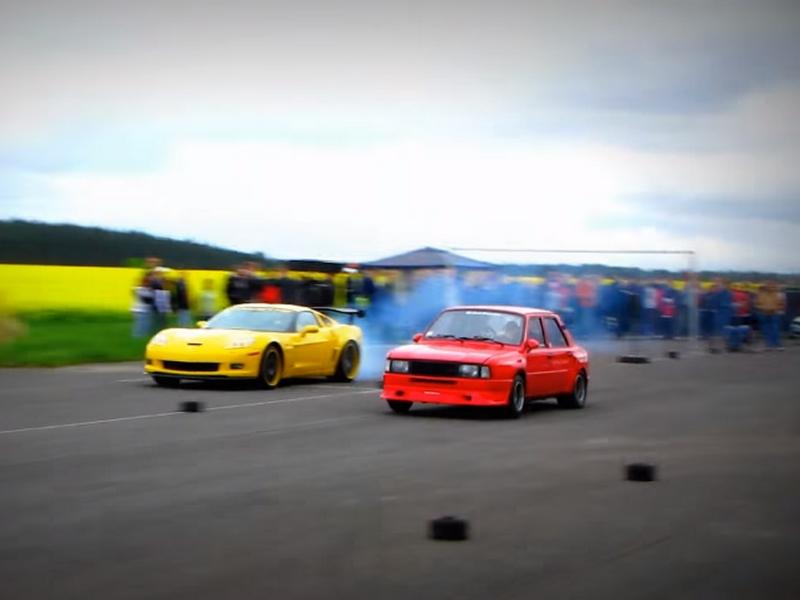 Photo of Az 580 lovas Skoda és a Corvette Z06 összecsapása