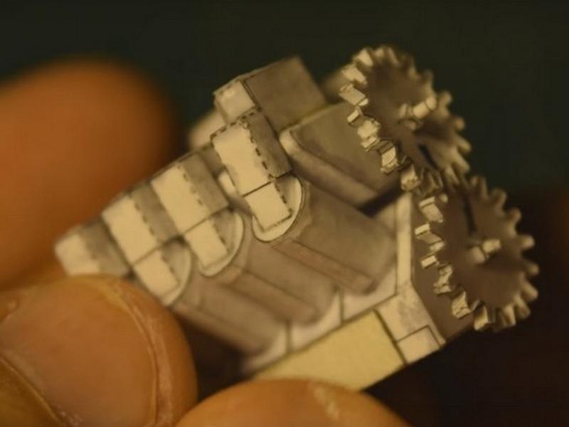 Photo of V8-as motor papírból