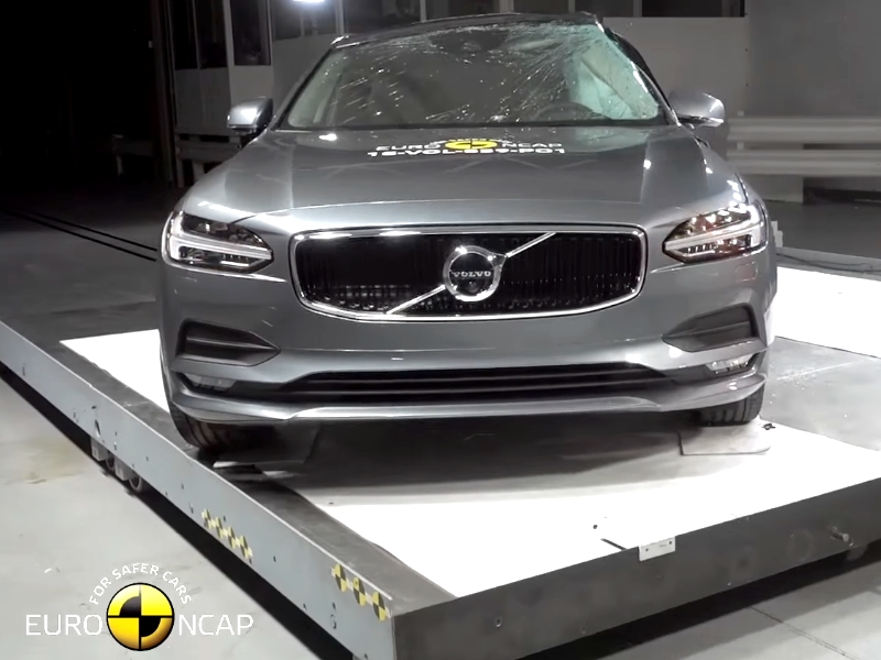 Photo of Volvo S90 törésteszt