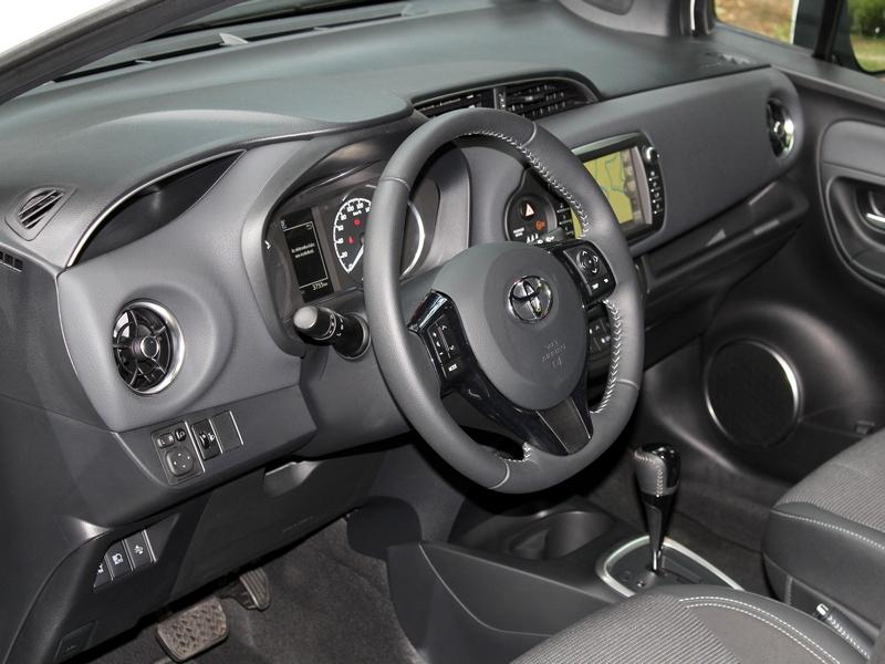Toyota Yaris Hybrid belső